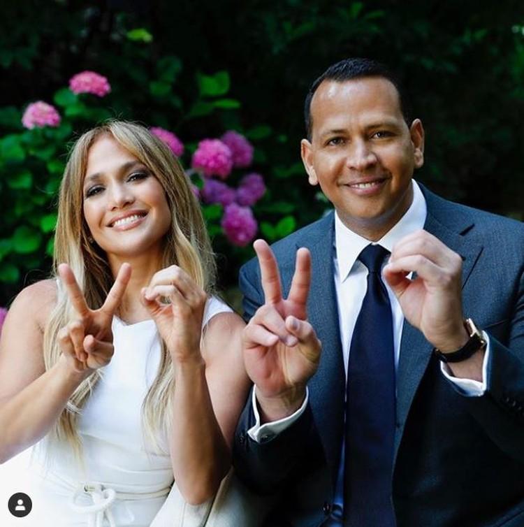 Дженнифер Лопес с женихом Алексом Родригесом. Фото: Инстаграм.