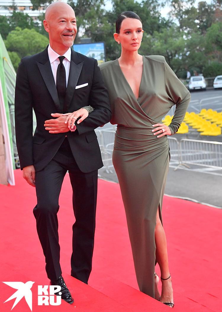 Знаменитая пара показалась на «Кинотавре»