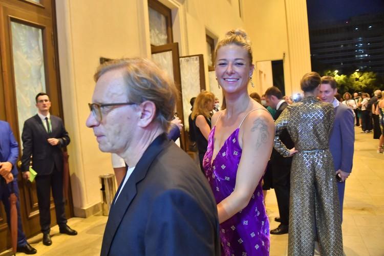 На закрытии сочинского киносмотра Ольга появилась на звездной дорожке с 66-летним миллиардером.
