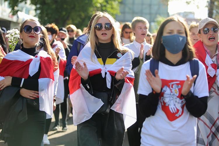 В Минске прошел «блестящий» женский марш