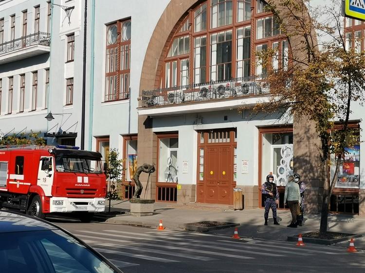В этом здании находится филиал Сибирского института искусств