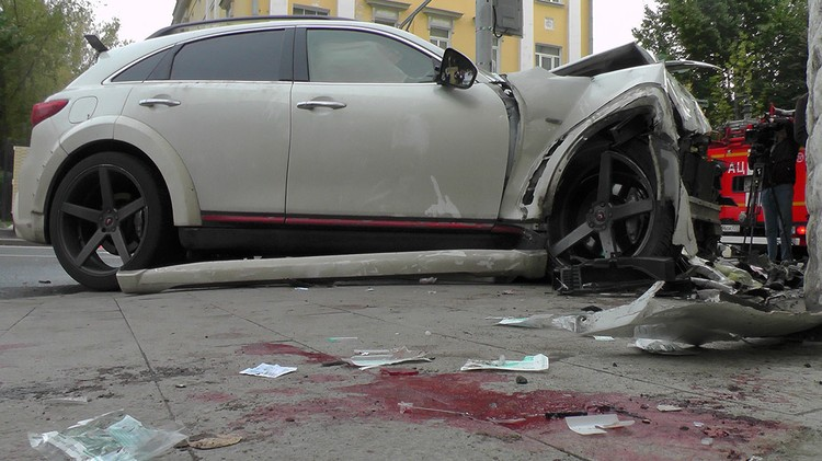 """Пострадали три человека. Две женщины в тяжелом состоянии. Фото: АГН """"Москва"""""""
