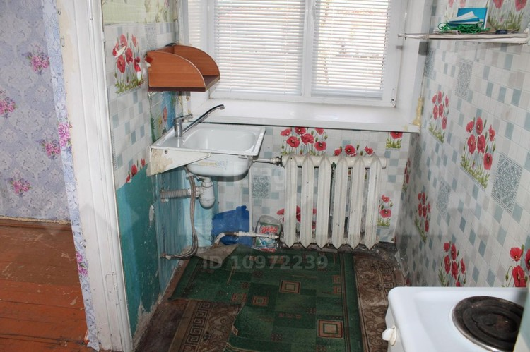 На кухне тоже почти не развернуться, но в тесноте - да не в обиде. Фото: Циан