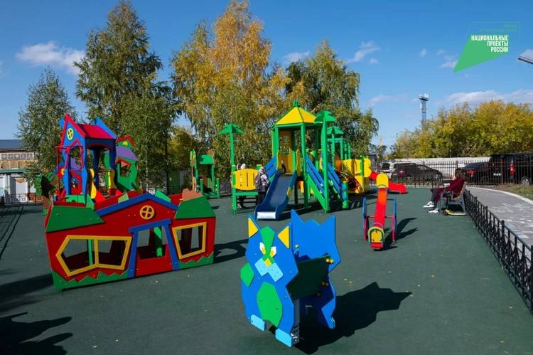 Детская площадка стала одним из главных пожеланий омичей. Фото: Вячеслав Андреев
