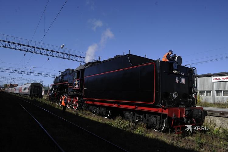 Популярность туристических поездов на паровой тяге в последнее время постоянно растет