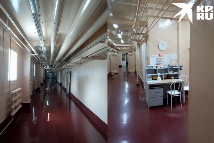 Внутри корпус похож на бункер. Фото: личный архив.