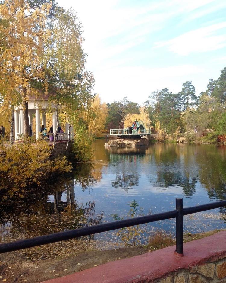Многие челябинцы продолжают отдыхать в парке Гагарина. Фото: Instagram / blondchl