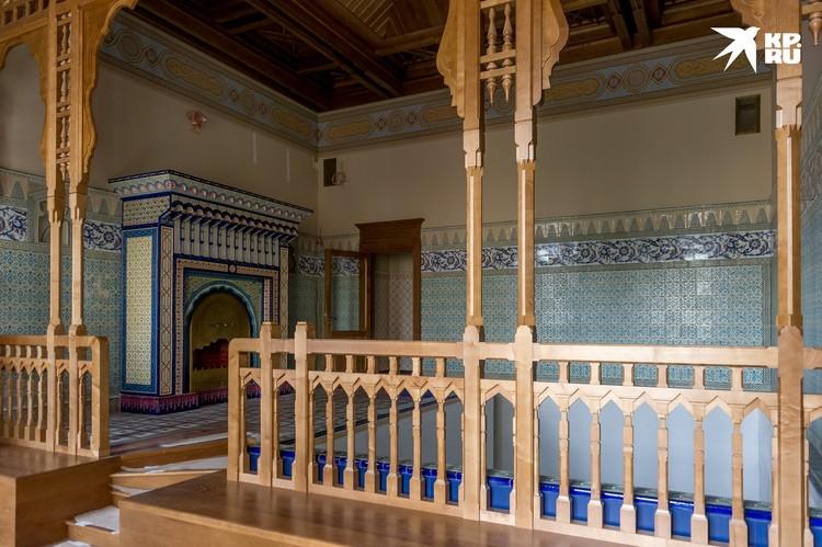 Мавританская уборная, пожалуй, одно из красивейших помещений дворца