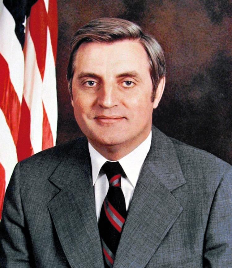 Мондейл стал фактически первым американским вице-президентом, который на полную катушку включился в большую политику