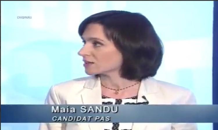Санду во время дебатов с Чебаном.