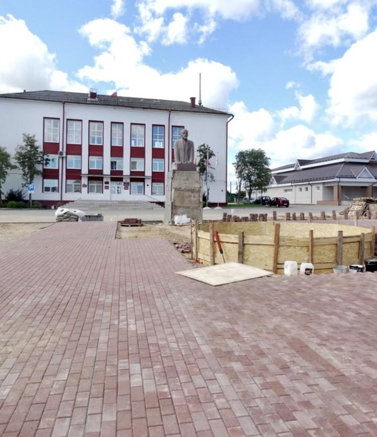 Работы по благоустройству площади в 2020 году. Фото: газета «Родная земля»
