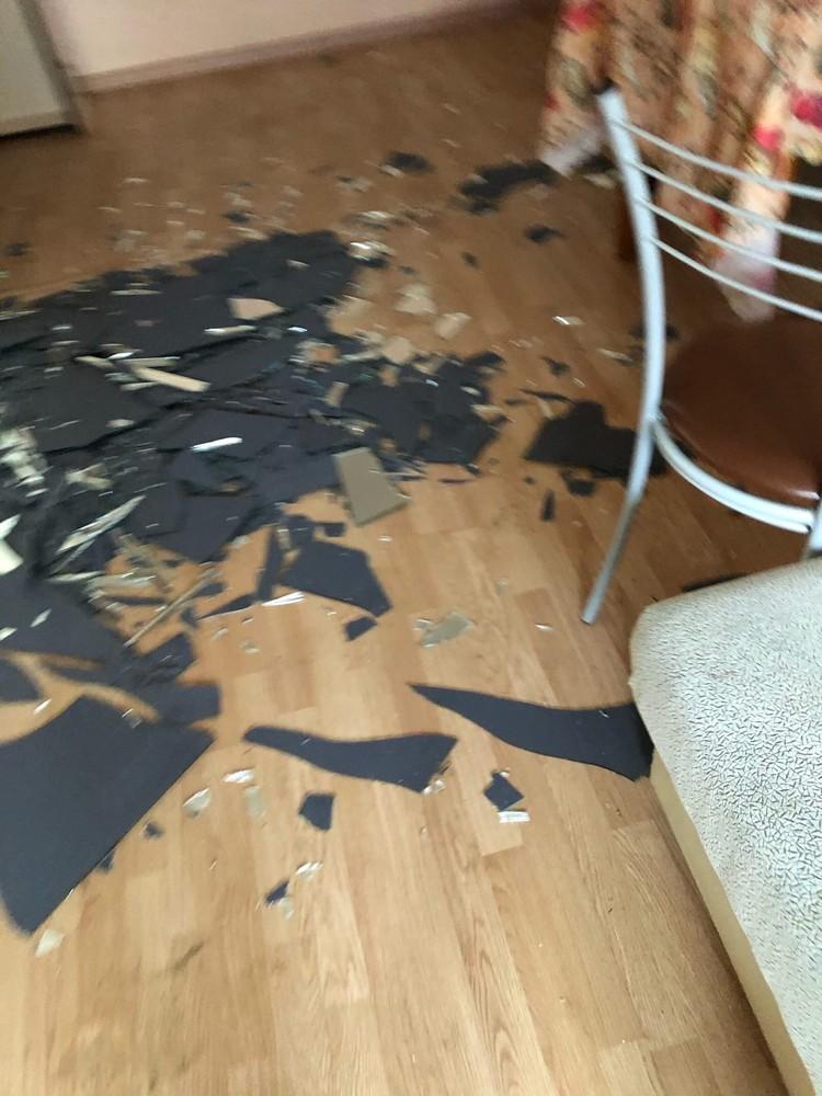 Последствия разборок в квартире. Фото: vk.com / «Парковый Челябинск»