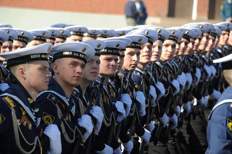 В ведомстве Антона Силуанова документ официально не комментируют. Тем не менее эксперты считают, что определенная оптимизация военным и другим силовым структурам нужна.