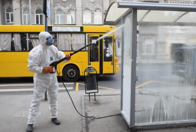 В Саратове снова начали мыть улицы с хлоркой