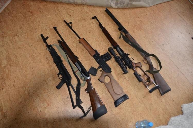 Оружие, изъятое у Виссариона. Фото: из материалов следстия