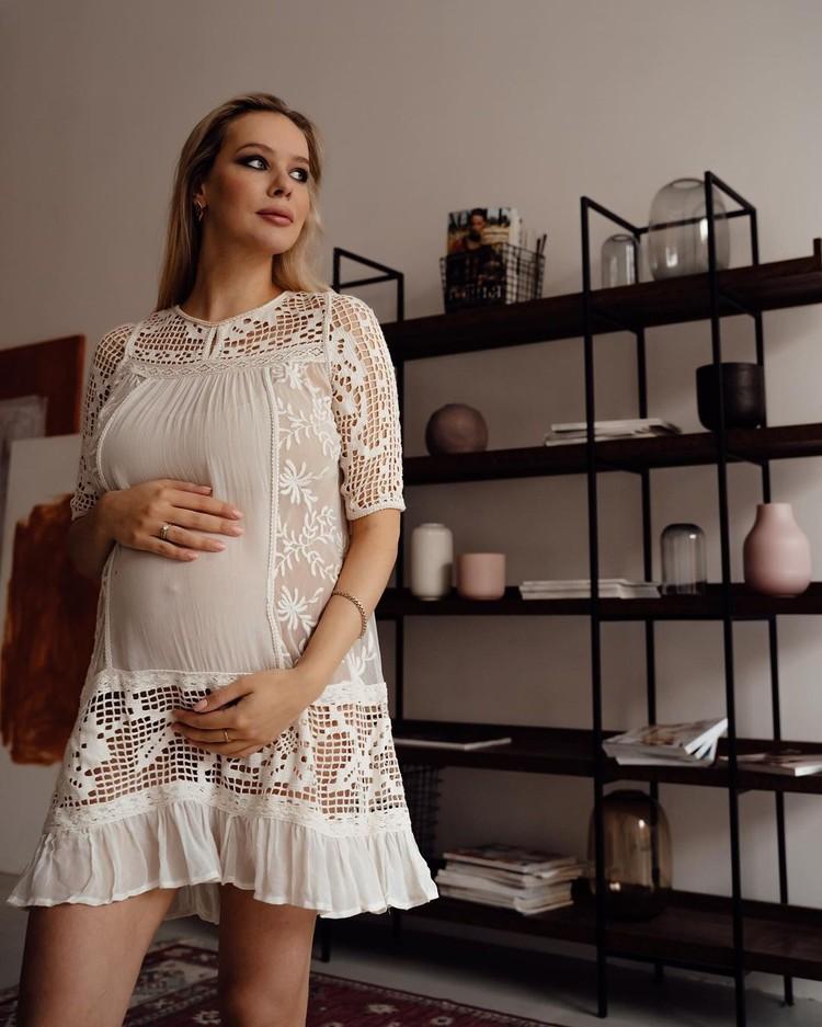 Анна Погорилая скоро станет мамой.