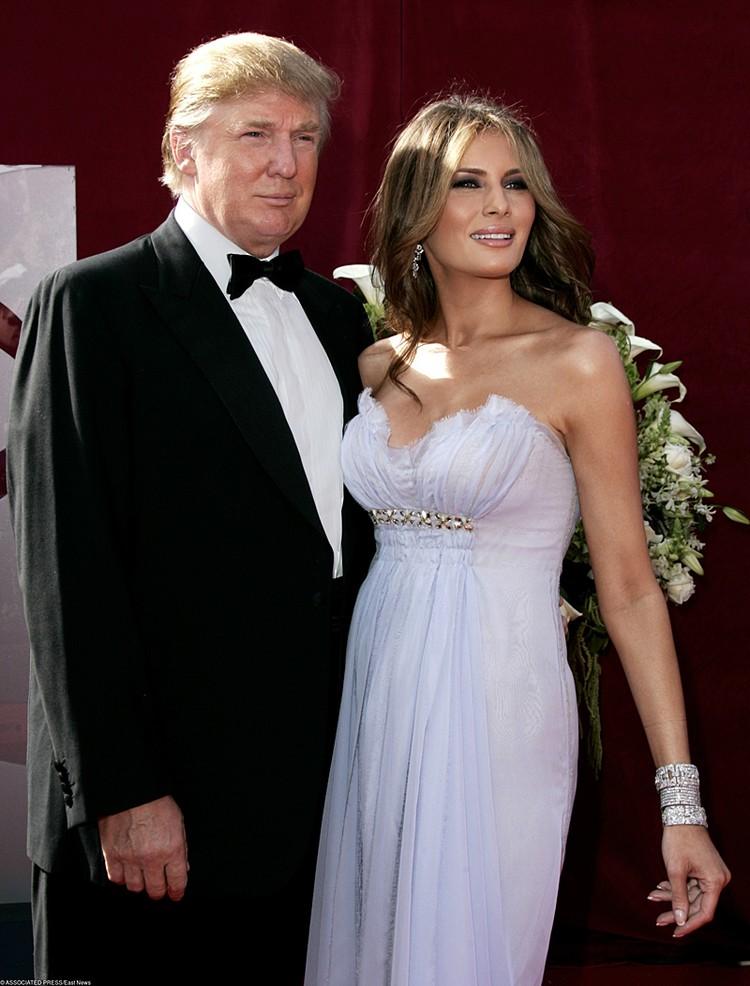 В 2005 году Трамп женился на словенской модели Мелании Кнаусс