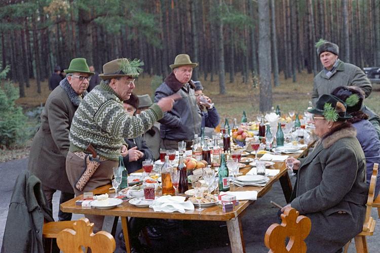 В истории Леонид Ильич остался эдаким добрым, даже комичным старцем. Шамкающая речь, густые брови, смешные пародии