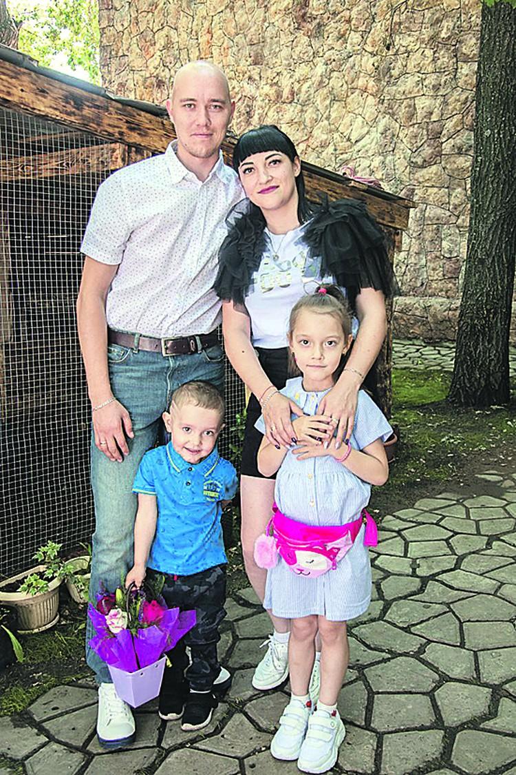Семья Киреевых, участники программы, получившие государственную субсидию в рамках мероприятия по обеспечению жильем молодых семей.