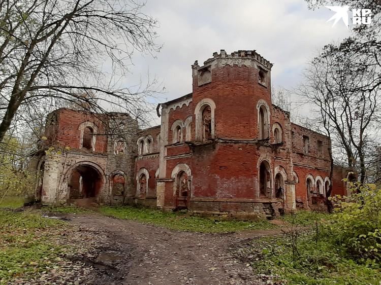 Дом Врагнелей построен в XIX веке в стиле английской готики