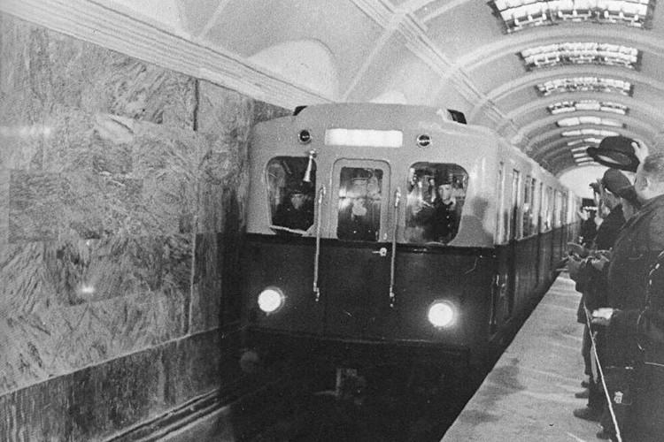 Раньше электрички состояли всего из четырех вагонов. Фото: СПб ГУП «Петербургский метрополитен»