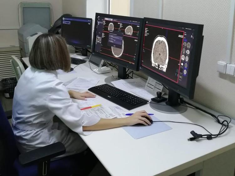 С помощью нового томографа можно быстро проводить диагностику всех систем организма, что особенно важно во время пандемии. Фото: пресс-службда АПК