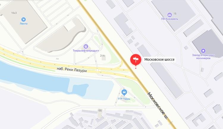 Транспортные светофоры появятся на пересечении наб. Лазури и Московское шоссе. Пешеходные - на переходе у автозаправки. Графика: yandex.ru/maps
