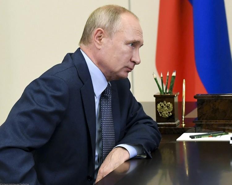А иногда Путин и сам не чурается поработать переводчиком.