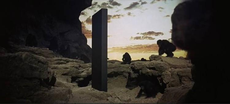 """Монолит - из """"Одиссеи"""" - на Земле."""