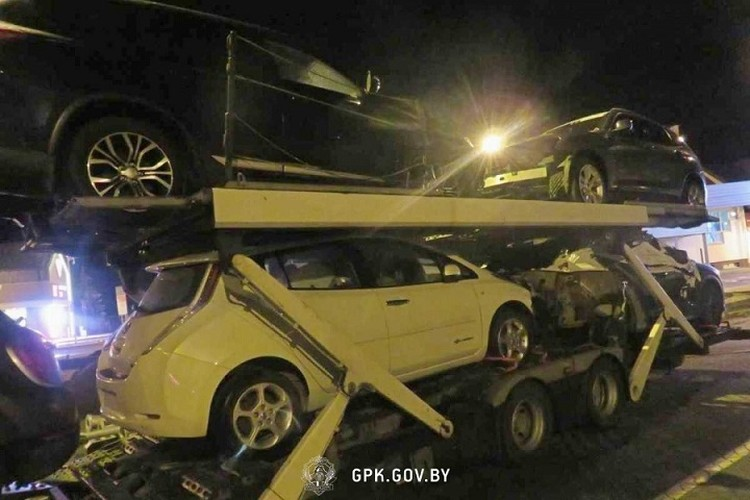 Автовоз с легковушками направлялся в Украину. Фото: ГПК.