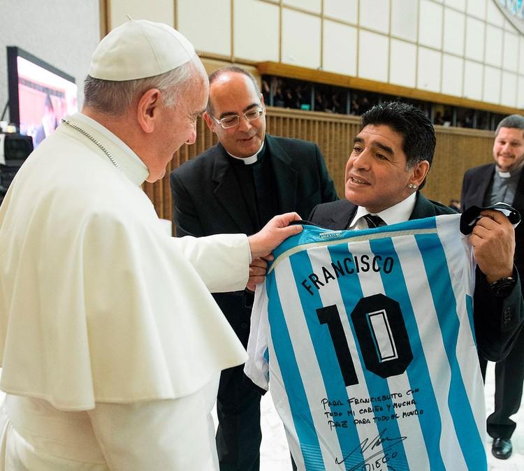 Папа Римский Франциск и Марадона