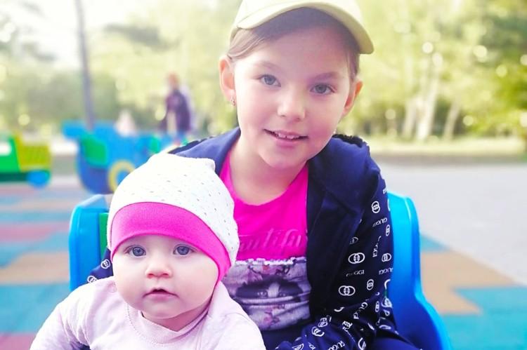 Через полгода после рождения младшей дочери Лизы Татьяна Зыкова вернулась на углеперерабатывающее предприятие. Фото: предоставлено пресс-службой «Сибантрацита».