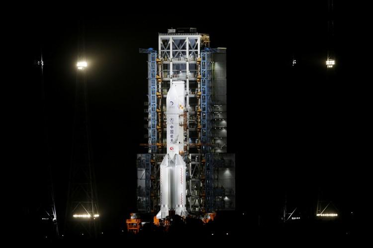 23-дневная миссия «Чанъэ-5» рассчитана на забор грунта со спутника