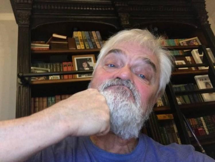 Борода предохраняет мозг от сотрясения в драке.