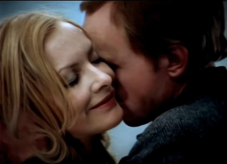 Про имитацию поцелуев речь на съемочной площадке не шла Фото: стоп-кадр