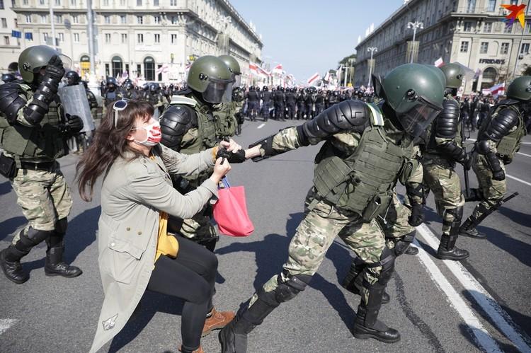 Митинг в Минске на проспекте Независимости.