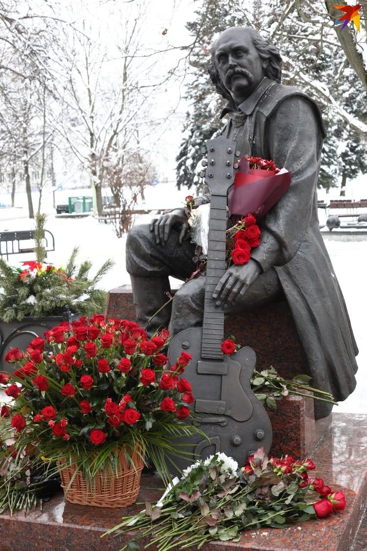 Владимир Мулявин родился 12 января 1941 года.