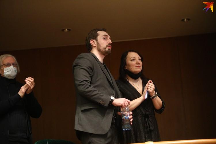 На концерте присутствовали дети Мулявина - Ольга и Валерий.