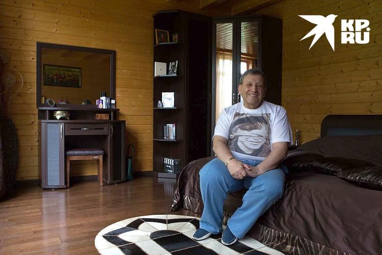 Борис Грачевский в спальне. Фото: Николай Темников