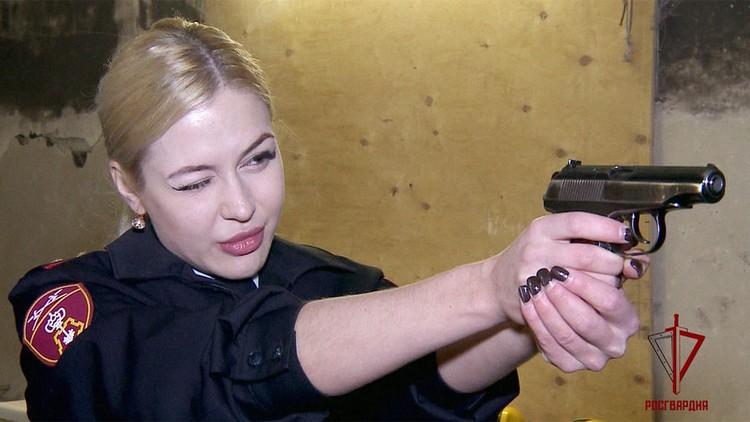 Анна Храмцова дважды становилась чемпионкой УрФО по фитнес-бикини. Фото: пресс-служба Росгвардии