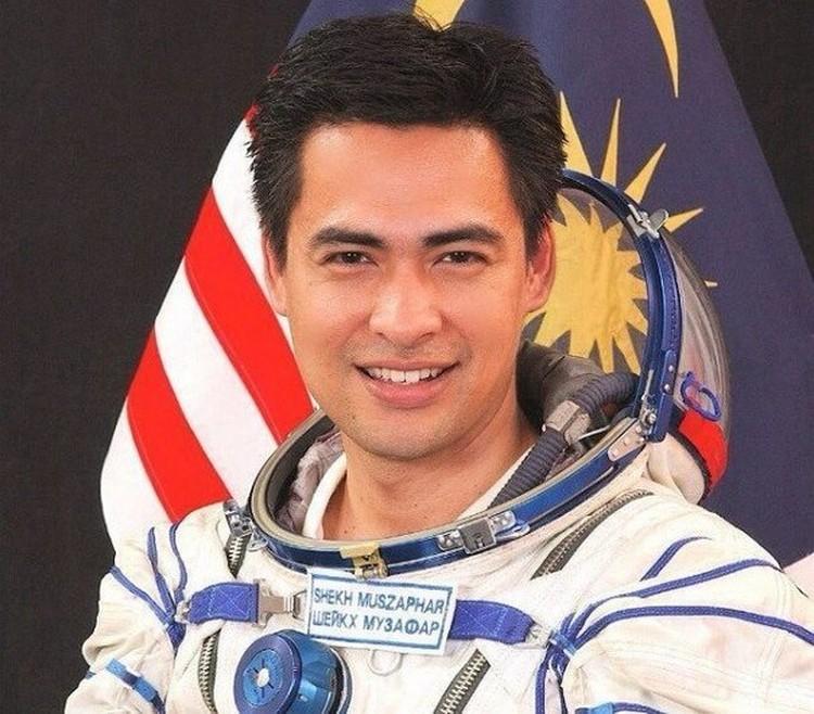 Космонавт из Малайзии Шейх Музафар Шукор.