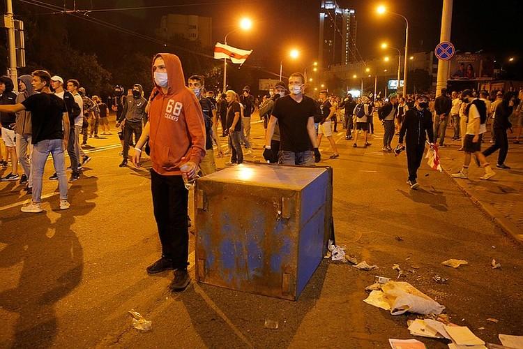 В Минске к вечеру на «сцену» выходили радикалы, готовые к противостоянию с силовиками