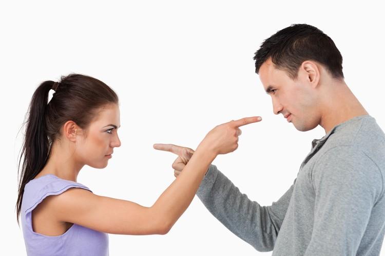 Чем больше злости во взаимоотношениях и взаимных упреков, тем ближе развод.