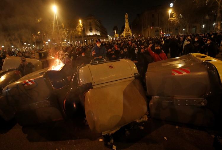 Демонстранты требуют освободить рэпера