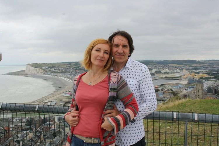 После поездки в Ижевске Лоран был очарован семьей Ларисы и ее друзьями