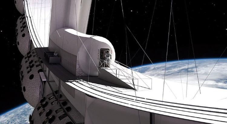 Желающие могут выбраться в открытый космос - прогуляться.