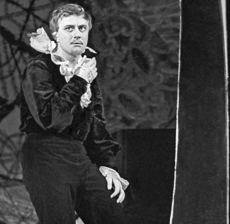 Андрей Миронов на сцене Театра Сатиры, 1967 г. Фото Михаила Строкова (Фотохроника ТАСС)