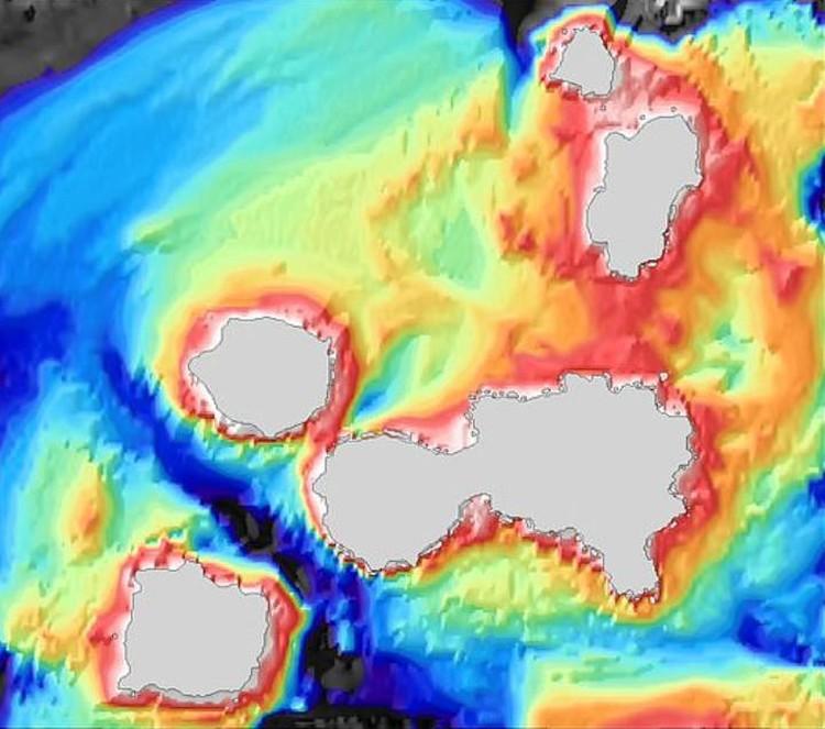 Шесть жерл норовят слиться в одну Алеутскую кальдеру циклопических размеров.