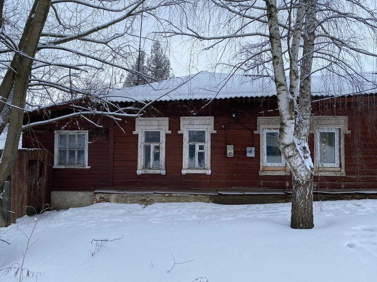 С недавних пор полиция перестала дежурить у дома Мохова.