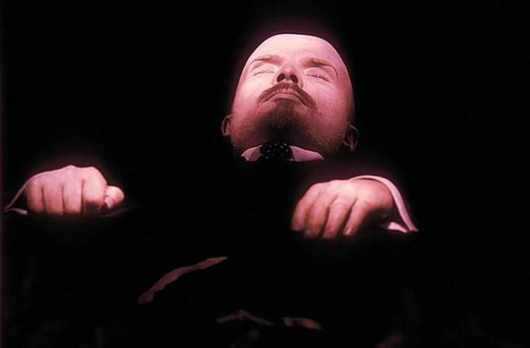 Даже Ленин, не доживший и до 60 лет, и тот превысил среднюю продолжительность жизни того времени.